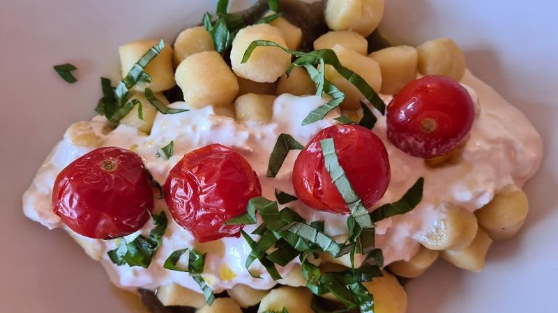 gnocchi con crema di melanzane e stracciatella (2)