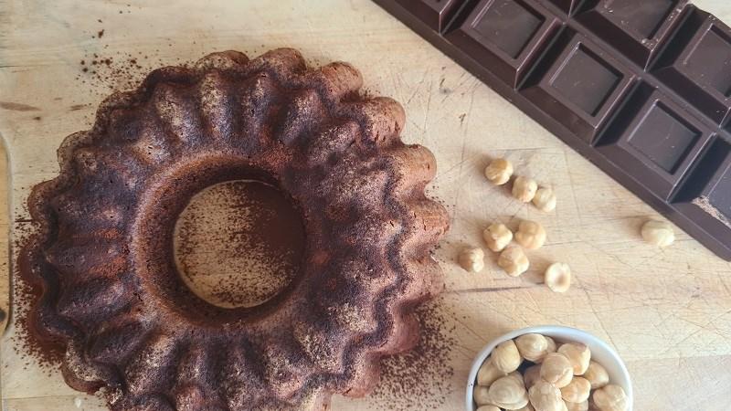 ciambella di nocciole e cioccolato